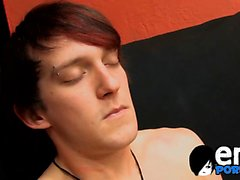Well built emo twink Andy Kay gives his cock a good rubbing