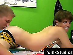 Twinks XXX Timo Garrett is hogging the bathroom with fine re