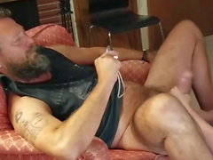 Servicing a hot hairy stud