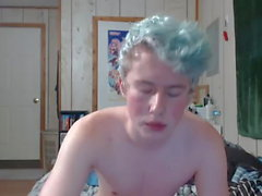 blue haired twink plays on cam